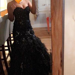 Dresses & Skirts - Beautiful black prom dress